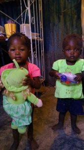 Crianças socorridas pela Nations Help